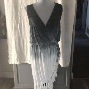 CYNTHIA ROWLEY/Gray & White Fringe Wrap Dress/SZ M